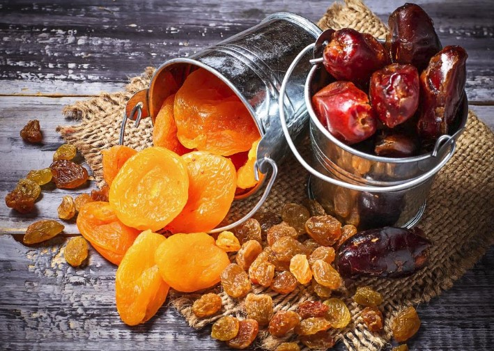 No Cook Backpacking Meals Ideas Dried Fruits Nuts And Berries