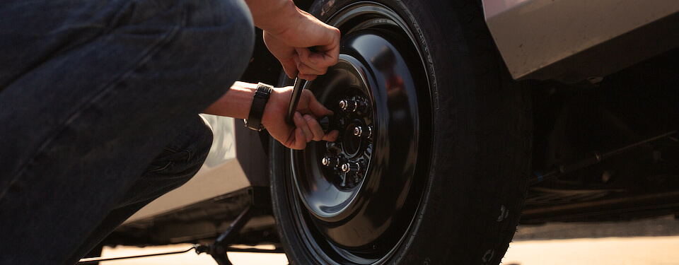 Changing travel trailer tires 3