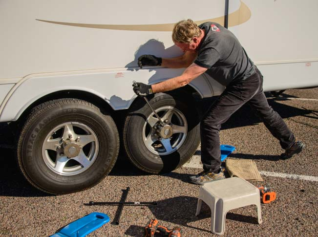 Changing travel trailer tires 4
