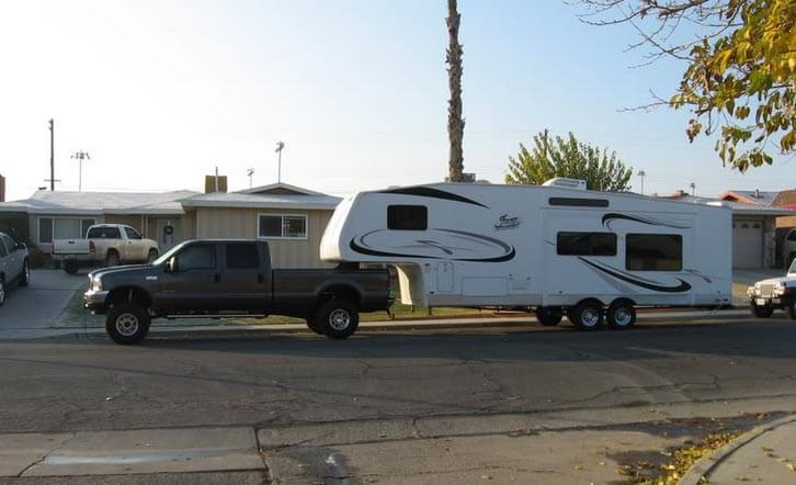 Tacoma Travel Trailer >> Fifth Wheel vs Travel Trailer - Which One Is More Suitable For You? - Outdoorscart