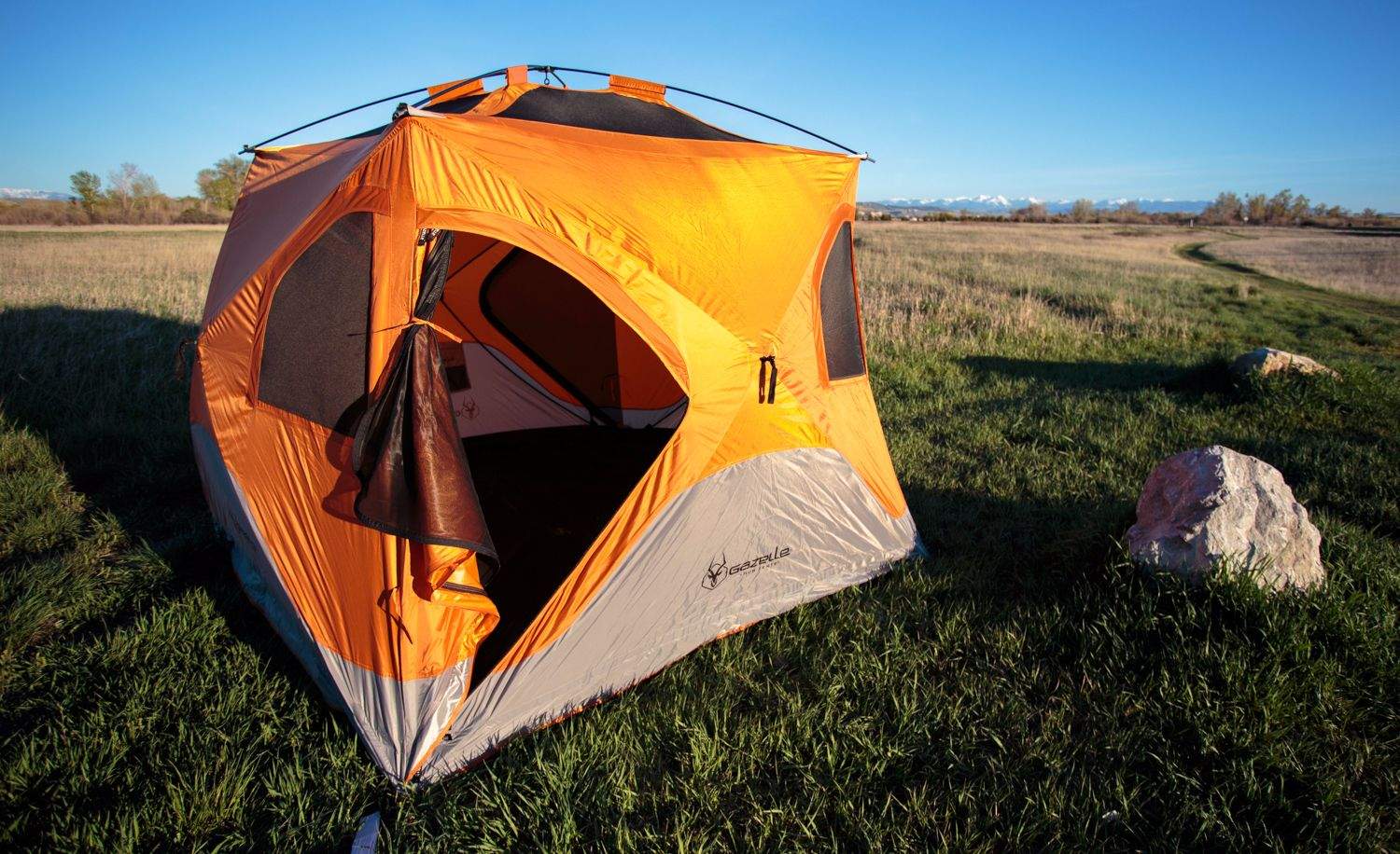 How to fold a pop up tent & An Easy Guide On How To Fold A Pop Up Tent - Outdoorscart